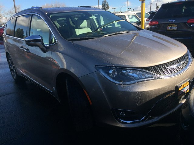 2017 Chrysler Pacifica Limited Molten SilverALXP V6 36 L Automatic 13 miles The all-new 2017