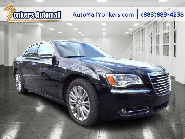 2013 Chrysler 300 300C Gloss BlackBlack V8 57L Automatic 41761 miles 1 owner clean carfax M