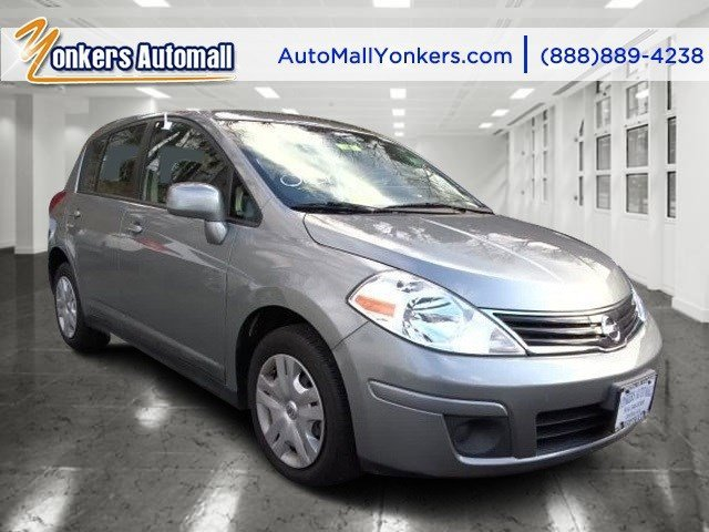 2012 Nissan Versa S Brilliant Silver MetallicCharcoal V4 18L Automatic 12909 miles 1 owner cl