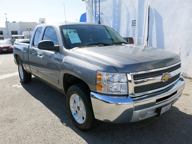 2012 Chevrolet Silverado 1500 LS GOLD V8 48L Automatic 70850 miles Deal PendingChoose from