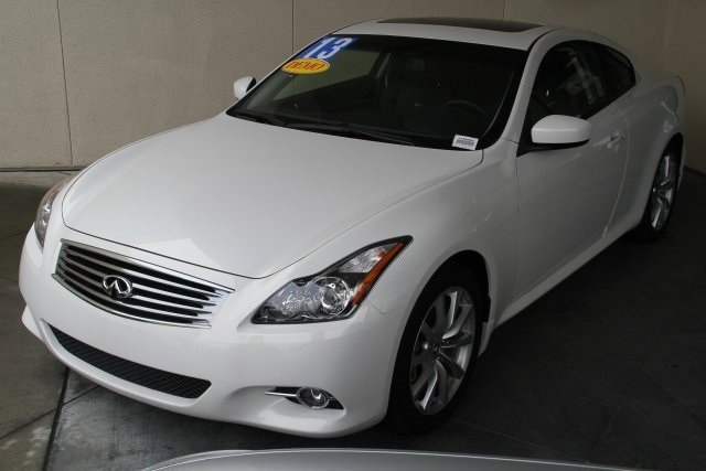 2013 INFINITI G37 Coupe Journey Moonlight WhiteGraphite V6 37L Automatic 88 miles This price