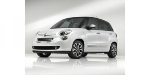 2014 FIAT 500L EASY NEROREDGRAY V4 14 L Automatic 29 miles The Fiat 500L brings everyday func