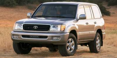 2002 Toyota Land Cruiser SUPER WHITEDARK GRAY V8 47L Automatic 145012 miles  Four Wheel Drive