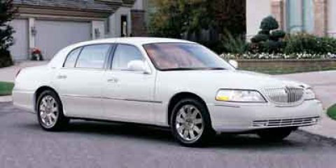 2003 Lincoln Town Car Executive White V8 46L Automatic 114165 miles New Arrival Multi-Zone A