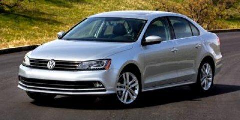 2017 Volkswagen Jetta 14T SE Platinum Gray MetallicBlack V4 14 L Manual 8 miles The Volkswag