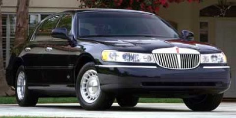 2000 Lincoln Town Car Signature Medium Charcoal Green Met V8 46L Automatic 82972 miles The Sa
