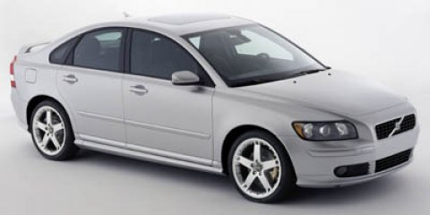 2005 Volvo S40 Ice White V5 24L Automatic 133009 miles CARFAX BUY BACK GUARANTEE KEYLESS ENTR