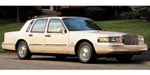 1997 Lincoln Town Car Executive Silver Frost CCMet V8 46L Automatic 110700 miles  Rear Whee