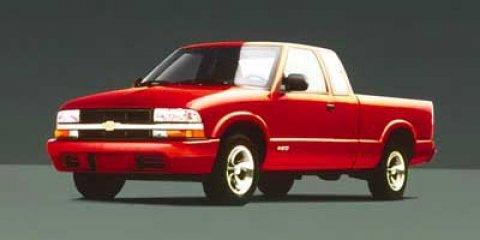 1999 Chevrolet S-10 LS Silver V6 43L  157011 miles  Rear Wheel Drive  Tires - Front All-Seaso