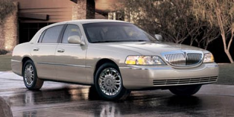 2006 Lincoln Town Car Signature Limited WhiteTAN V8 46L Automatic 21682 miles Price DOES inclu