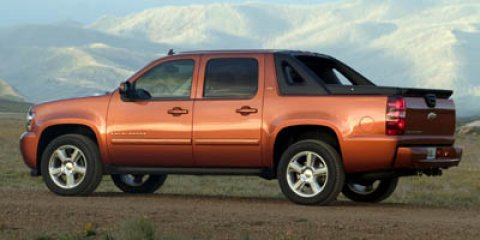 2007 Chevrolet Avalanche LS  V8 53L Automatic 186856 miles Boasts 21 Highway MPG and 15 City