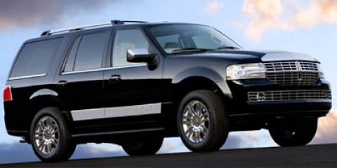 2007 Lincoln Navigator 4X4 Black V8 54L Automatic 42692 miles Elegantly expressive this accid
