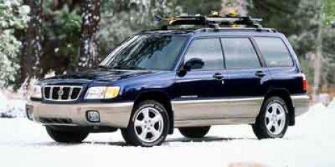 2002 Subaru Forester L SUPER WHITE V4 25L Automatic 157206 miles  All Wheel Drive  Tires - F