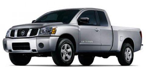 2007 Nissan Titan SE White V8 56L Automatic 130025 miles  Rear Wheel Drive  Tires - Front Al