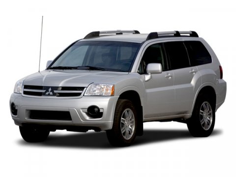 2008 Mitsubishi Endeavor SE Dover White Pearl V6 38L Automatic 62530 miles  Traction Control 