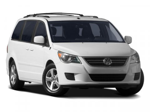2009 Volkswagen Routan SE Mercury Silver V6 38L Automatic 69677 miles Trustworthy and worry-fr