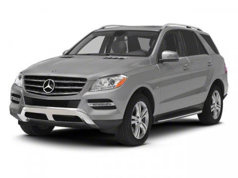 2013 Mercedes M-Class ML350 Arctic WhiteBlack V6 30L Automatic 13 miles  BRUSHED ALUMINUM RUNN