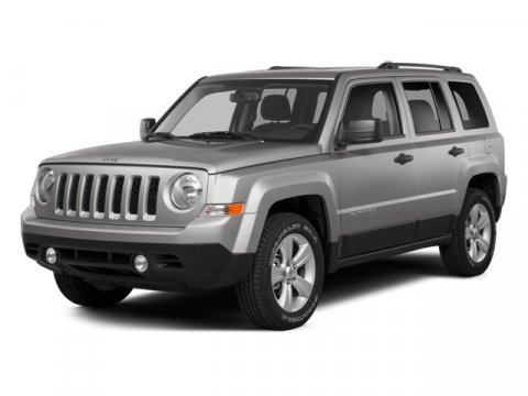 2014 Jeep Patriot Latitude Bright White Clearcoat V4 24 L Automatic 0 miles  Four Wheel Drive