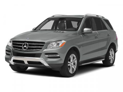 2014 Mercedes M-Class ML350  V6 30 L Automatic 8 miles  LANE TRACKING PACK