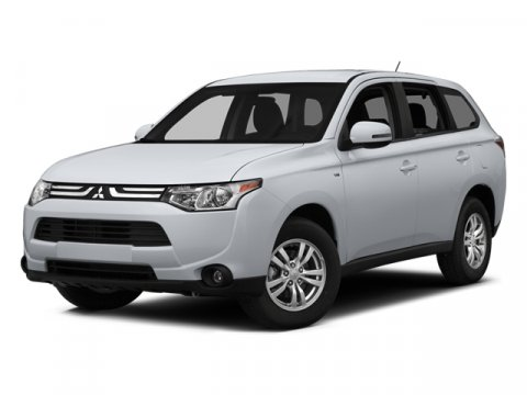 2014 Mitsubishi Outlander SE Diamond White PearlBlack V4 24 L Automatic 5 miles They are Here