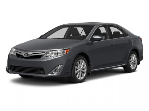 2014 Toyota Camry XLE Super WhiteLA00 V6 35 L Automatic 10 miles  Front Wheel Drive  Power St