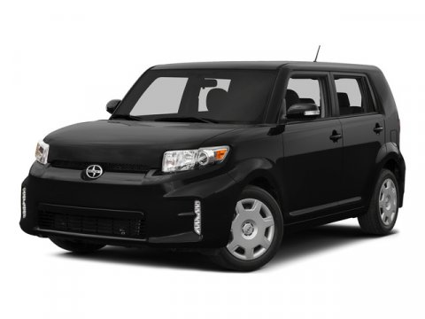 2015 Scion xB Super WhiteDark Charcoal V4 24 L Automatic 5 miles  CARGO COVER  CARGO NET  C