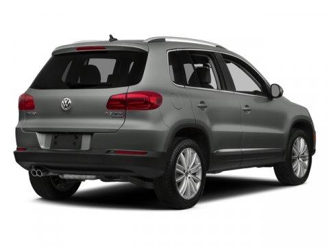 2015 Volkswagen Tiguan SE Pure WhiteBlack V4 20 L Automatic 31409 miles Recent Arrival CARFA
