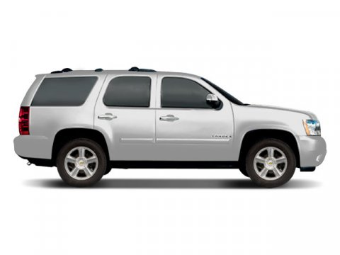 2008 Chevrolet Tahoe White V8 53L Automatic 138609 miles  Four Wheel Drive  Tow Hitch  Powe