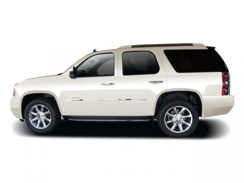 2009 GMC Yukon Denali DENALI AWD Navigation Sunroof White Diamond TricoatEbony V8 62L Automatic