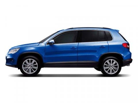 2009 Volkswagen Tiguan Sapphire Blue Metallic V4 20L Automatic 65848 miles Turbocharged Trac
