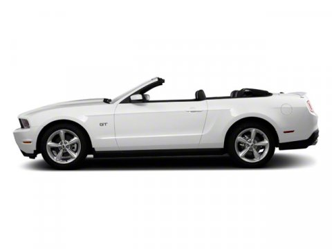 2010 Ford Mustang Performance White V6 40L  101810 miles KEYLESS ENTRY 26 MPG Highway ALLOY