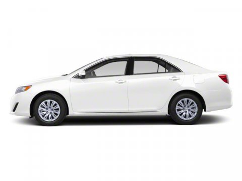 2012 Toyota Camry SUPER WHITE V4 25L Automatic 47158 miles NEW ARRIVAL -BLUETOOTH AND TIRE