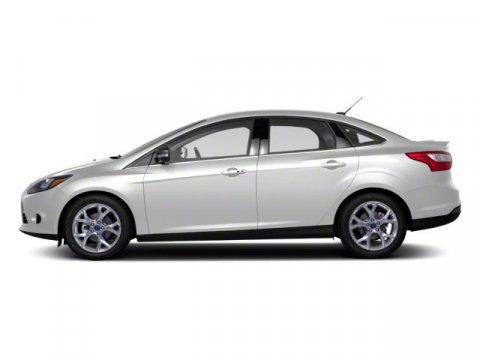 2013 Ford Focus SE Oxford WhiteCharcoal Black V4 20L Automatic 41095 miles  Front Wheel Drive