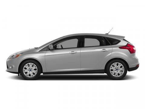 2014 Ford Focus Titanium Ingot Silver MetallicCharcoal Black V4 20 L 44W 5 miles Driving the 2