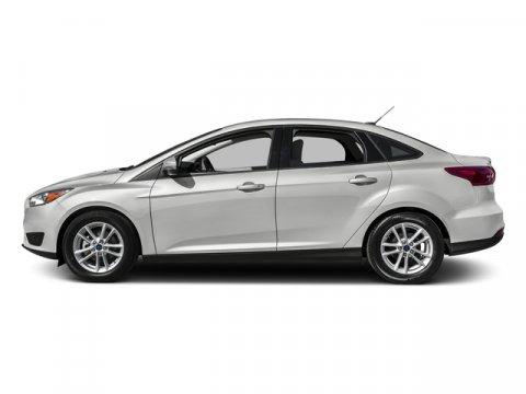 2015 Ford Focus SE Oxford White V4 20 L 44W 0 miles  G1  1 S  443  67E  77R  99H  SE EC