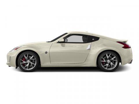 2016 Nissan 370Z Pearl WhiteBlack V6 37 L Manual 0 miles  Rear Wheel Drive  Power Steering