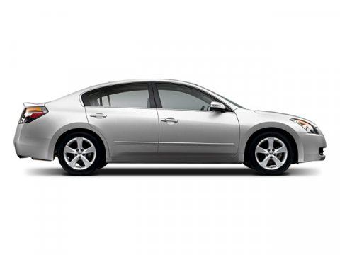2008 Nissan Altima 25S RADIANT SILVER METALLIC V4 25L  102683 miles  Front Wheel Drive  Tire