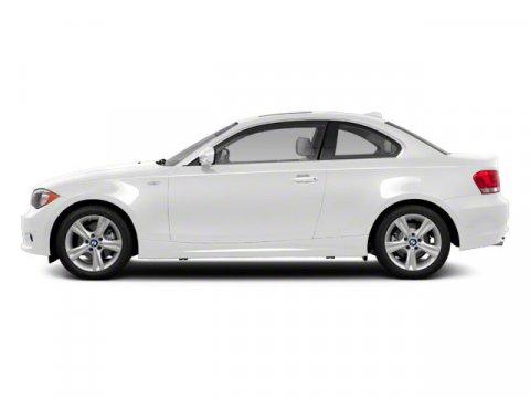 2010 BMW 1 Series 128i Alpine White V6 30L  59109 miles  Rear Wheel Drive  Power Steering