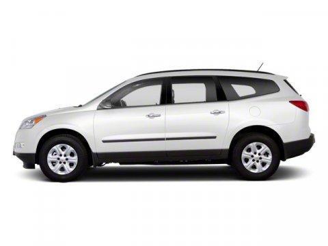 2011 Chevrolet Traverse LT w1LT White V6 36L Automatic 63685 miles  Front Wheel Drive  Powe