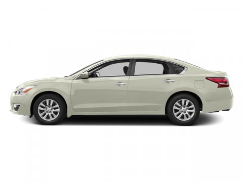 2013 Nissan Altima 25 S Pearl White V4 25L Variable 24268 miles TWO NEW TIRES INSTALLED Keyl