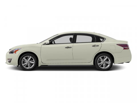 2013 Nissan Altima 25 SL Pearl White V4 25L Variable 37874 miles TWO NEW TIRES INSTALLED Key