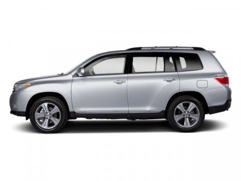 2013 Toyota Highlander Classic Silver MetallicGray V4 27L Automatic 66661 miles  COLD WEATHER