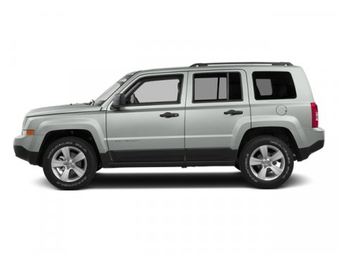 2014 Jeep Patriot Latitude Bright White Clearcoat V4 24 L Automatic 28525 miles  Four Wheel D
