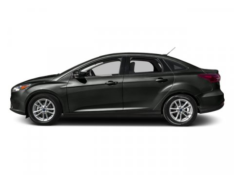 2016 Ford Focus SE MagneticCharcoal Black V4 20 L  0 miles It only takes a glance to see the