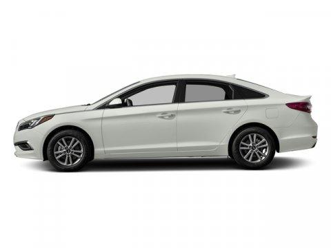 2017 Hyundai Sonata SE Quartz White PearlGray V4 24 L Automatic 0 miles  CARGO NET  CARPETED