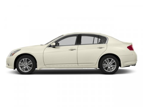 2015 INFINITI Q40 Moonlight WhiteGraphite V6 37 L Automatic 1199 miles Delivers 27 Highway MP