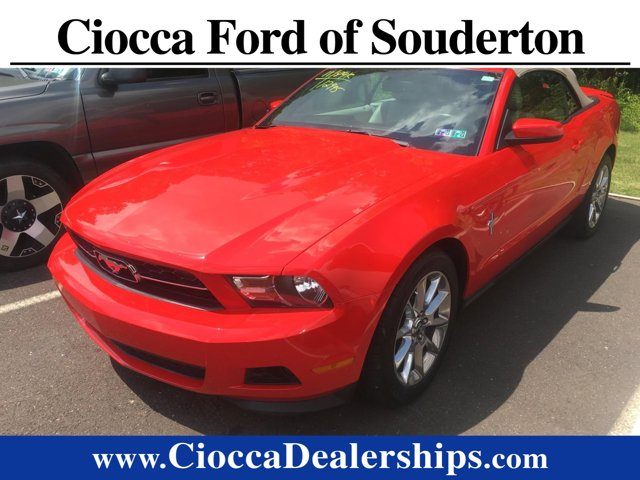 2011 Ford Mustang 2dr Conv V6 Premium RACE RED