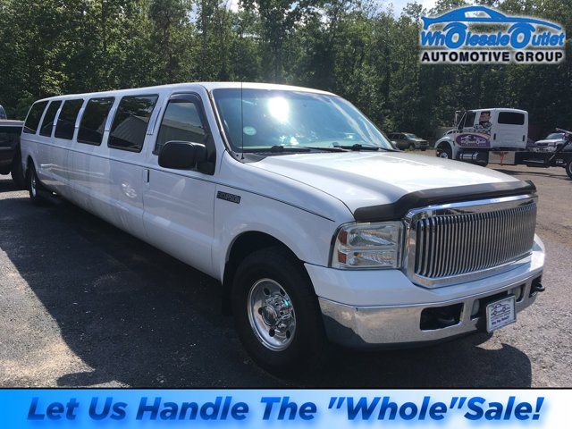 "2005 Ford Excursion 137"" WB 6.8L XLS Limo OXFORD WHITE"