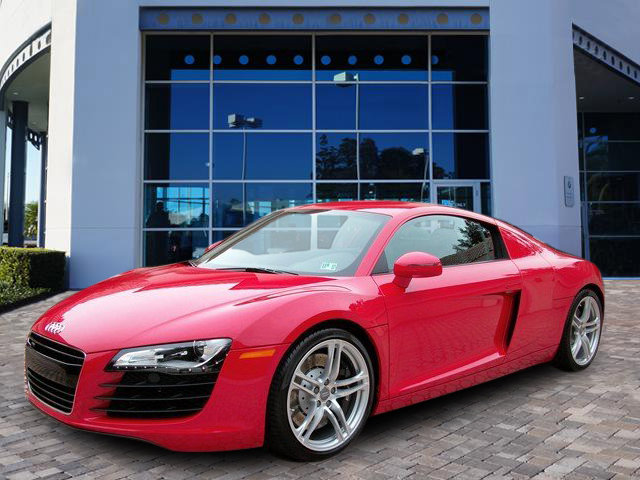 2009 Audi R8 2dr Cpe 4.2L Man quattro BRILLIANT RED