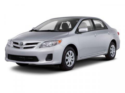2013 Toyota Corolla  4dr Car FWD